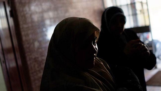 Relawan Misi Medis Suriah mengaku sering ditawari untuk menikahi wanita Suriah saat dalam misi mengantarkan bantuan kemanusiaan ke negara itu.