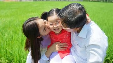 Siapa yang Merasa Lebih Jago Urus Anak, Ayah atau Bunda?