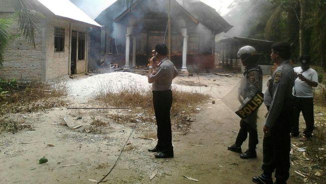 Presiden Jokowi memanfaatkan media sosial untuk mengomentari kejadian yang terjadi di Aceh Singkil, selasa kemarin.