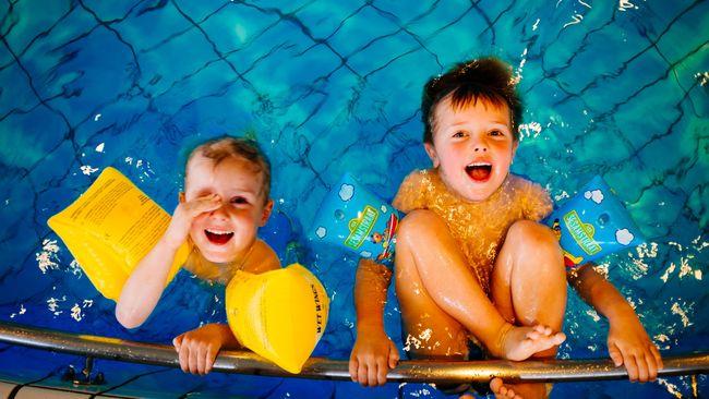 Menyediakan waktu untuk berolahraga bersama anak dapat meningkatkan kesehatan mereka.
