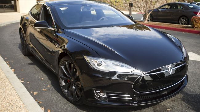 Menunggu Mobil Listrik Murah Tesla Model 3