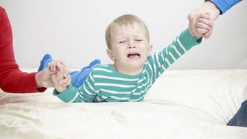 Tips Hadapi Anak Tantrum di Mal
