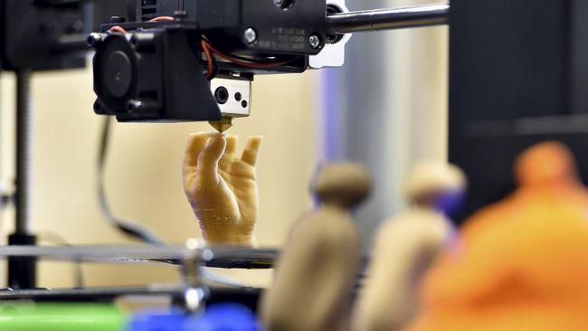 Para ilmuwan di Israel mencetak jantung 3D dengan jaringan dan pembuluh manusia, Senin (16/4).