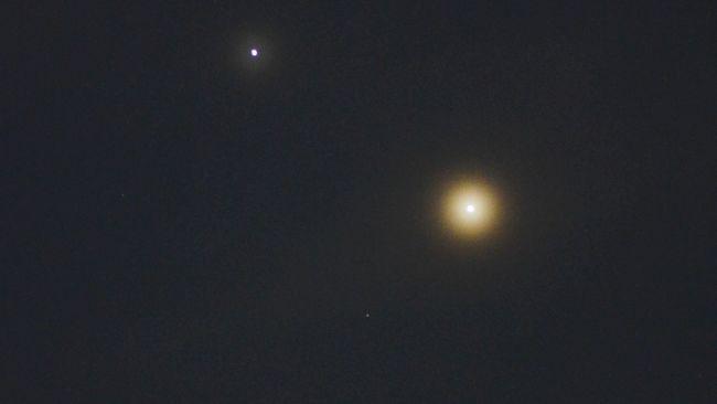 Jupiter dan Saturnus akan alami konjungsi langka yang terakhir terjadi 800 tahun lalu pada Desember mendatang.