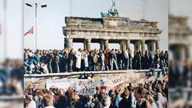 Pejalan Kaki Tak Sengaja Temukan Tembok Berlin yang Hilang