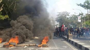 Bentrok di Sukabumi Tewaskan Anggota PP, Markas BPPKB Dibakar