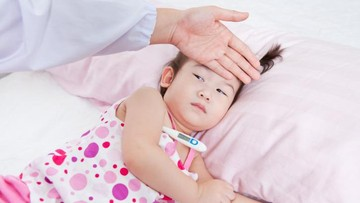 Kapan Anak yang Demam Perlu Dibawa ke Dokter?