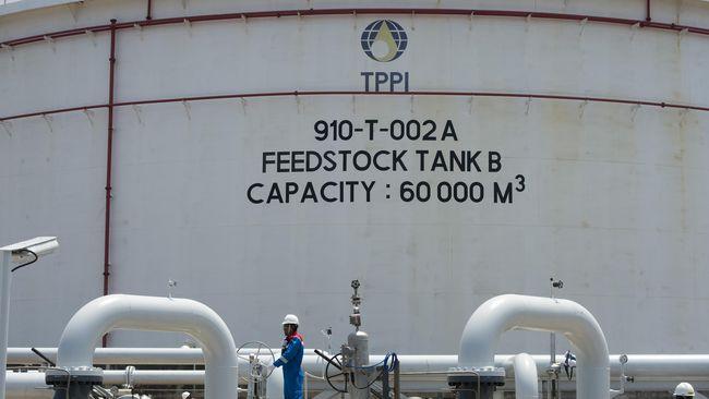 Harga minyak dunia kembali menguat, setelah mencapai level tertingginya dalam setahun terakhir pada Kamis (4/2).