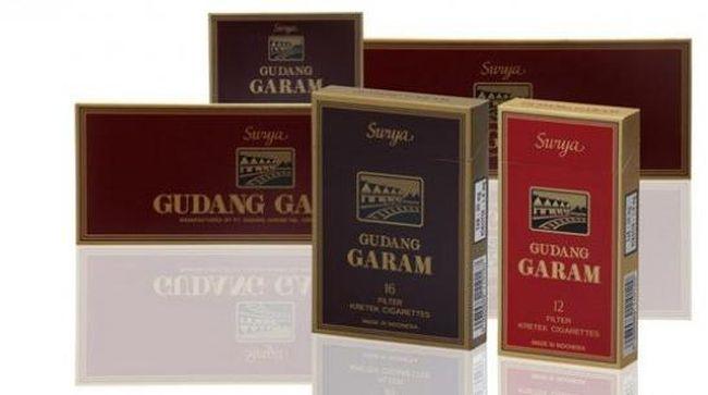 Gudang Garam menggugat H Ali Khosin, pemilik perusahaan Gudang Baru, karena kemiripan merek dagang.