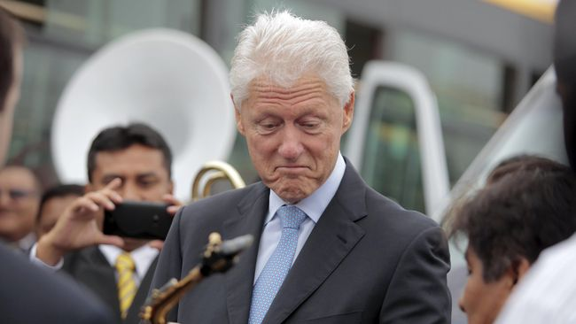 Tak lagi menjabat di Gedung Putih, Bill Clinton berencana akan membocorkan bagaimana intrik terjadi di balik kursi Presiden Amerika Serikat.