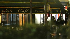 Paris Diserang, Kota Mode Mencekam