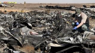 Pesawat Rusia Terbakar di Udara, 13 Penumpang Meninggal Dunia