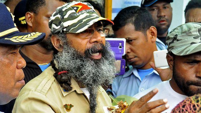 Baru saja keluar penjara, aktivis kemerdekaan Papua Filep Karma langsung berpidato dan mengatakan akan terus melanjutkan perjuangannya.
