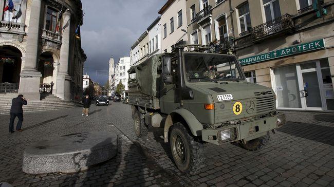 Di tengah ancaman teror yang membuat Belgia waspada penuh, warga Brussels melawan dengan menggunakan foto kucing.