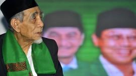 Maimoen Zubair Kembali Doakan Jokowi di Harlah PPP