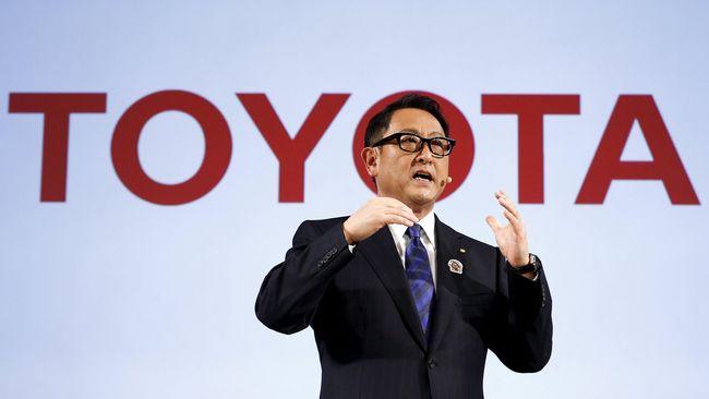 Toyoda kesulitan melepas jabatannya, sebab hingga kini ia belum menemukan seseorang yang pas untuk menduduki pucuk pimpinan Toyota.