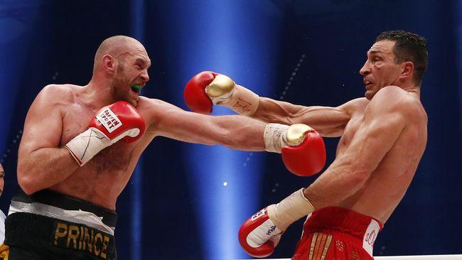 Petinju kelas berat dunia Tyson Luke Fury menyanyikan I Don't Want To Miss A Thing setelah mengalahkan Wladimir Klitschko.