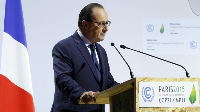 Presiden Perancis Francois Hollande menilai ada kaitan erat antara perlawanan terhadap terorisme dan perubahan iklim.