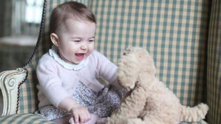 6 Foto Anak-anak Pangeran William Jepretan Kate Middleton