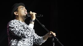 Glenn Sempat Niat Buat Konser Virtual Hibur Warga Kala Corona