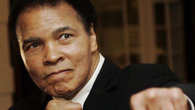Hari ini tepat tiga tahun lalu, mantan juara dunia kelas berat asal Amerika Serikat, Muhammad Ali, meninggal di rumah sakit di Phoenix, Arizona.