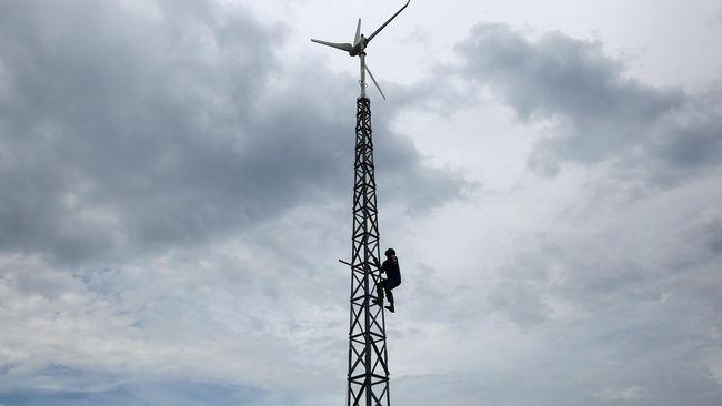 Greenpeace memberi nilai F ke Indonesia terkait pengembangan energi baru dan terbarukan. Nilai tersebut merupakan yang terburuk di ASEAN.