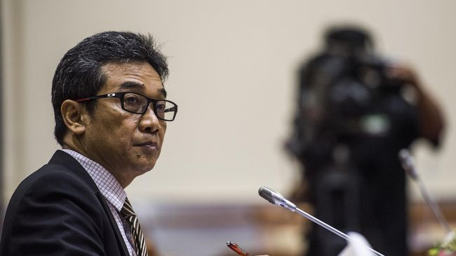Pegawai KPK nonaktif Sujanarko menyebut integritas para anggota Dewas KPK harus dipertanyakan karena membiarkan dugaan perbuatan pidana Lili Pintauli.