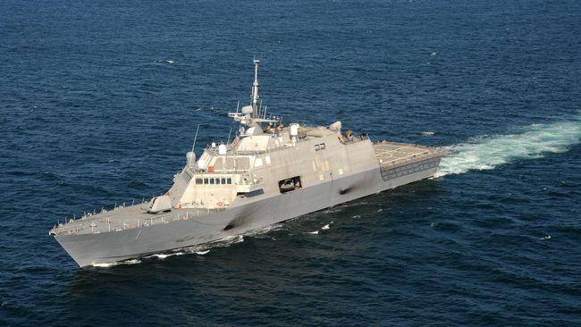 Kapal perang China mengusir kapal perang AS yang sedang berlayar di sekitar Laut China Selatan.