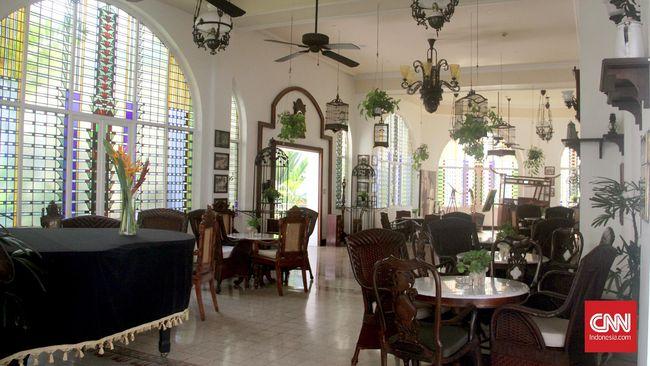 Hotel-hotel di Indonesia memiliki beragam cara untuk membedahnya, mulai dari sudut pandang sejarah, arsitektur, hingga supranatural.