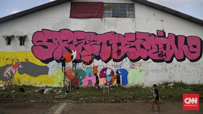 Seniman graffiti dari negara matriks seolah menjadi liar ketika mendapati