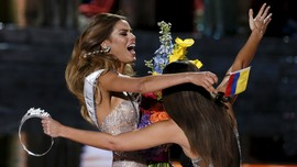 Steve Harvey Lakukan Wawancara Spesial bersama Miss Kolombia