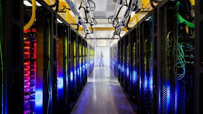 Asosiasi peringatkan ada potensi benturan aturan jika Microsoft dan perusahaan AS lain bikin data center di Indonesia.