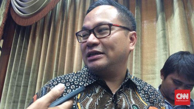 Kartika Wirjoatmodjo mengatakan akan ada penyesuaian perbankan dalam satu hingga dua tahun ke depan yang lebih fokus ke arah segmen korporasi.