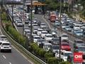 Truk Terguling di Tol Cikampek, Kemacetan Hingga 5 Kilometer