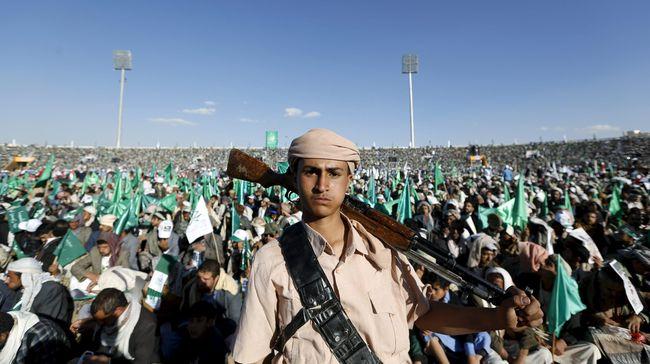 Arab Saudi mengatakan telah mencegat dua drone yang diluncurkan kelompok pemberontak Yaman, Huthi, dalam rangkaian serangan pada kerajaan.