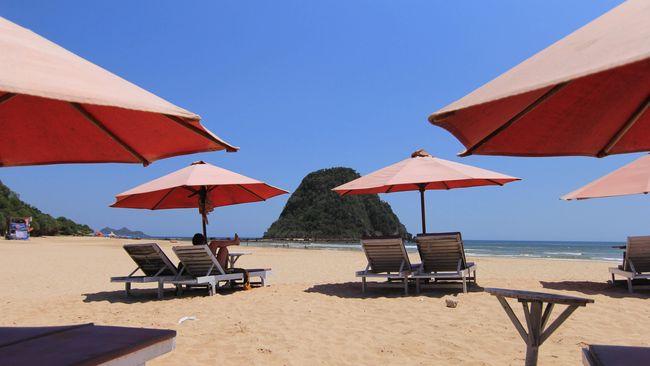 Pemerintah Banyuwangi berencana membuat pantai khusus untuk perempuan demi menggaet pasar wisata baru dari kaum Hawa.