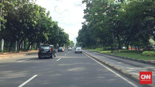 Volume Kendaraan Turun di Jalan Jendral Sudirman Imbas Corona