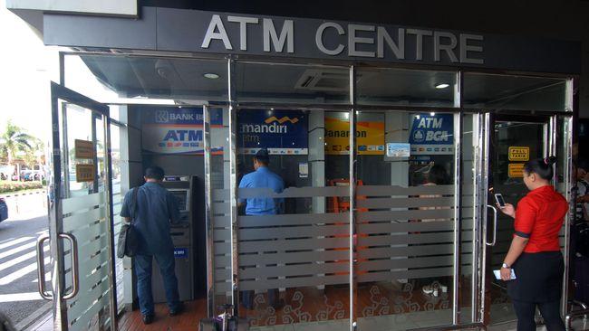 Bank nasional akan memblokir kartu ATM lama yang masih menggunakan teknologi pita magnetik. Sebelum terblokir berikut cara menukarnya.