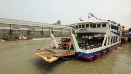 Kronologi Kapal Ferry Bili Terbalik di Sambas