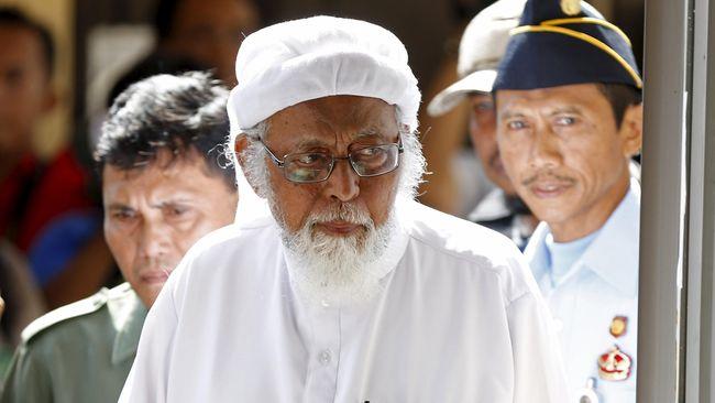 Penasihat hukum Presiden Jokowi, Yusril Ihza Mahendra mengatakan Abu Bakar Ba'asyir menolak tandatangani sumpah setia pada Pancasila sebagai syarat pembebasan.