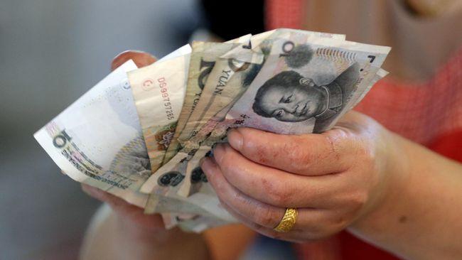 Pemerintah China memutuskan untuk menurunkan tarif pajak untuk mendorong ekonomi mereka yang belakangan ini melesu akibat perang dagang.