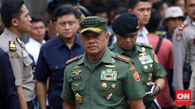 Panglima TNI Jenderal TNI Gatot Nurmantyo ingin mengingatkan kepada para prajurit tentang peristiwa G 30 S/PKI lewat pemutaran film dan nonton bareng.
