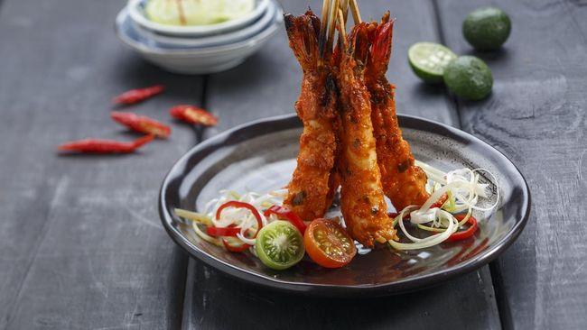 Dalam upaya memperkenalkan makanan Indonesia khususnya Padang ke tingkat dunia, makanan Padang diboyong ke Spanyol dalam ajang Madrid Fusion.