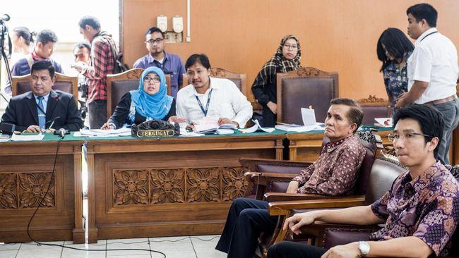 KPK Periksa Mantan GM Pelabuhan Panjang Soal Pengadaan QCC