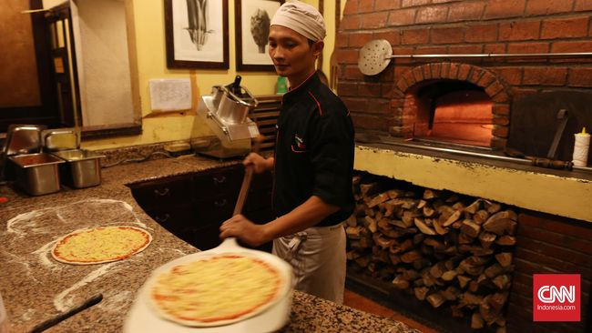 Berbicara tentang salah satu bar dan kafe legendaris di Jakarta, ada satu lokasi yang wajib dikunjungi. Pisa Cafe namanya.