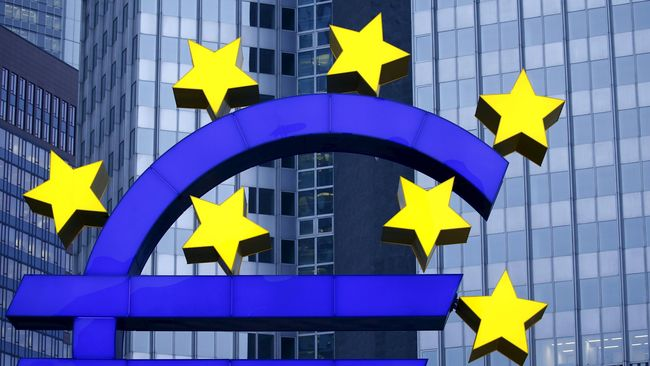 Bank-bank Eropa mulai memperketat aliran kredit ke korporasi dan rumah tangga. Hal itu dilakukan seiring dengan meningkatnya syarat yang diterapkan perbankan.