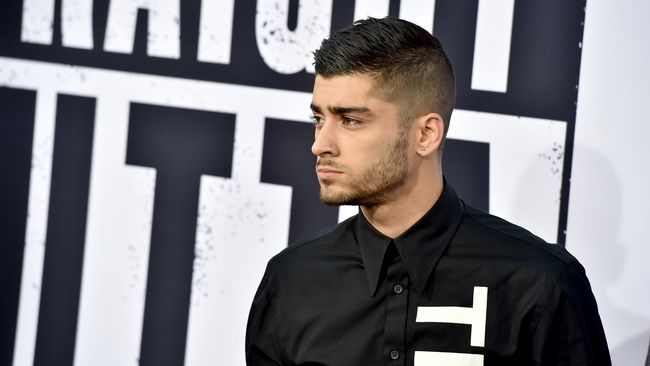 Tidak boleh menumbuhkan jenggot, tak diizinkan mewarnai rambut, menjadi alasan-alasan mengapa Zayn Malik hengkang dari One Direction.