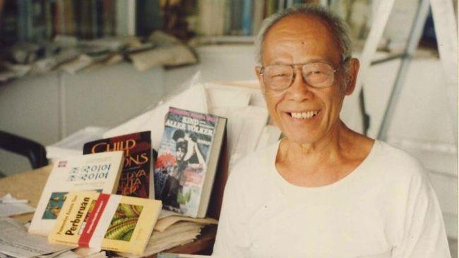 Pramoedya Ananta Toer yang sudah meninggal sejak 12 tahun lalu masih dikenang sampai kini, karya-karyanya bahkan semakin populer di kalangan anak muda.