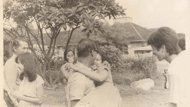 Kerinduan yang membuncah menjadi kekuatan bagi Pramoedya Ananta Toer untuk menepati janjinya kepada keluarga selepas Pulau Buru.