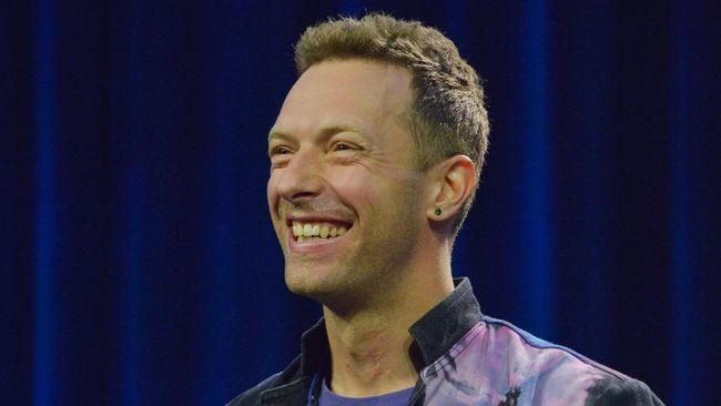 Coldplay jadi tampil dua kali: 31 Maret 2017 dan 1 April 2017. Tiket tambahan untuk kedua pertunjukan mulai dijual kembali Jumat (25/11) esok.